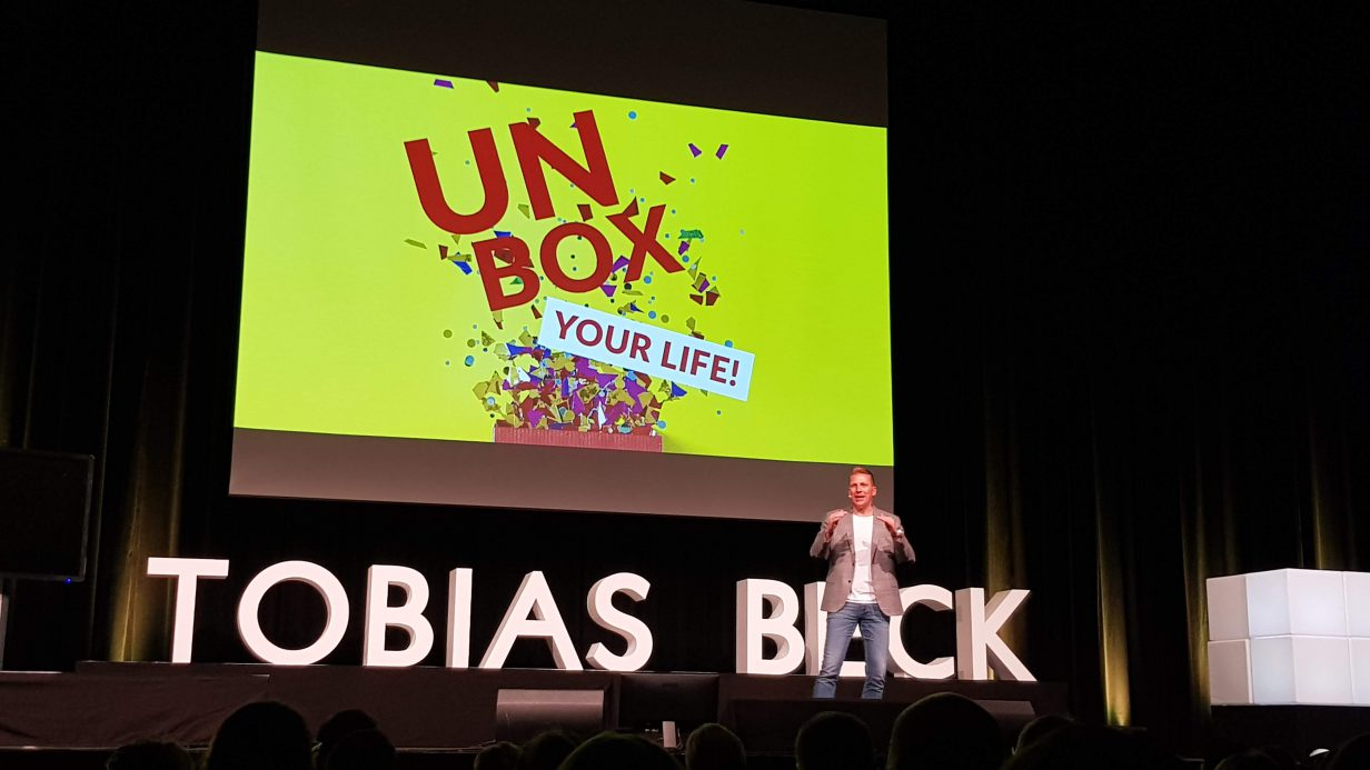 Tobias Beck Unbox Your Life Tour